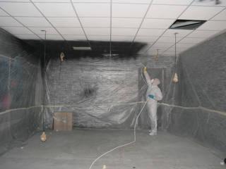 Verven systeemplafond d.m.v. airless latex spuiten:   door WandenPlafondSpuiten.nl | latex spuiten | spack spuiten | stucwerk