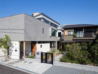 Maisons modernes par アトリエ・ブリコラージュ一級建築士事務所 Moderne