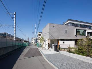 鶴見の家Ⅱ モダンな 家 の アトリエ・ブリコラージュ一級建築士事務所 モダン