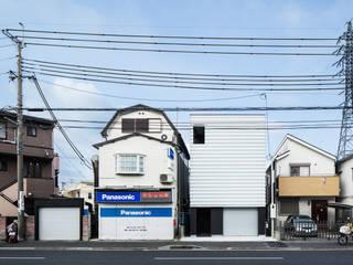 都市中の家(仕事にも買い物にも便利な町に住む)*********************: 田中幸実建築アトリエが手掛けた現代のです。,モダン