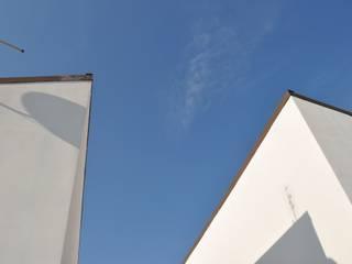VILLA OSTIA ANTICA - ROMA: Case in stile  di ANDREA ROSSETTI architetto