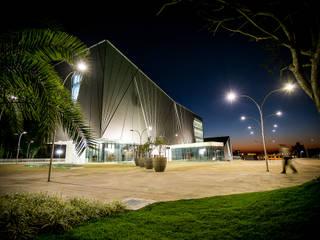 Centro Cultural Univates: Escolas  por Tartan Arquitetura e Urbanismo,Moderno