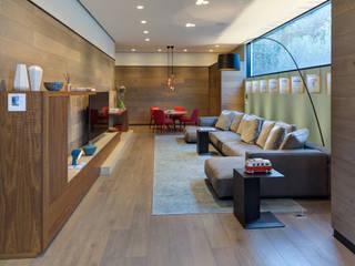 Casa Dalias Salas multimedia de estilo minimalista de grupoarquitectura Minimalista