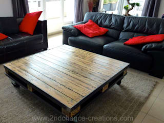 2nd Chance Créations Living roomSide tables & trays