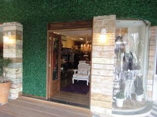 Projeto Comercial - Loja Acaia, na cidade de Itapema, SC-BR: Lojas e imóveis comerciais  por Gabriela Herde Arquitetura & Design