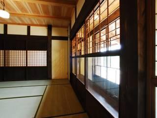 京建具: WOOD PROが手掛けた窓です。,クラシック
