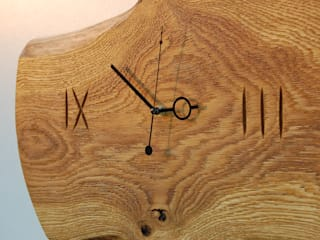 Clock with brushed and oiled oak Meble Autorskie Jurkowski EstudioAccesorios y decoración