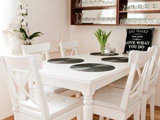 Scandinavian style dining room by YNOX Architektura Wnętrz Scandinavian