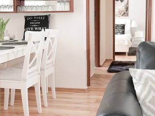 Dormitorios de estilo escandinavo de YNOX Architektura Wnętrz Escandinavo