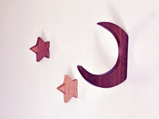 Star hook in Walnut di agustav Minimalista