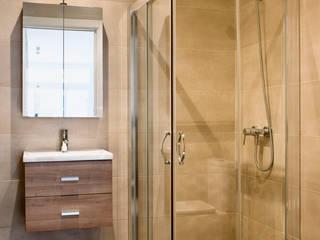 rehabilitación casa en Barcelona Baños de estilo mediterráneo de GPA Gestión de Proyectos Arquitectónicos ]gpa[® Mediterráneo