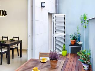 Pequeño patio trasero Balcones y terrazas mediterráneos de GPA Gestión de Proyectos Arquitectónicos ]gpa[® Mediterráneo