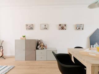 Salas de estar escandinavas por A54Insitu