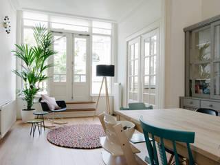 PROYECTO DE INTERIORISMO EN LA HAYA, HOLANDA: Salones de estilo  de A54Insitu