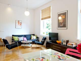 Modern living room by dziurdziaprojekt Modern