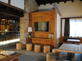 Rustic style bars & clubs by ASCANIO ZOCCHI Rustic
