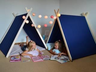 Namiot domek tipi granat z domieszką różu lub błękitu: styl , w kategorii  zaprojektowany przez Lucky Kids