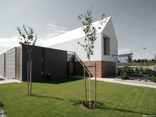 Maisons minimalistes par PRACOWNIA 111 Minimaliste
