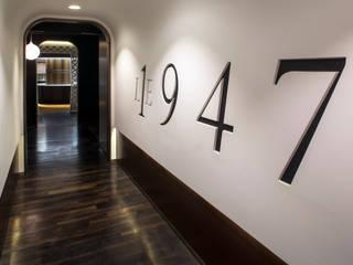 the restaurant 1947: Restaurants de style  par Sybille de Margerie
