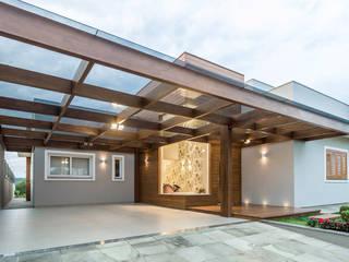 Garage/shed by Plena Madeiras Nobres