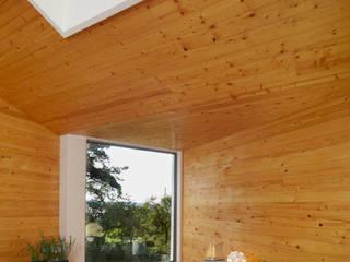 Verbundener Innen- und Außenraum:  Fenster & Tür von Solarlux GmbH