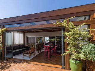 Plena Madeiras Nobres Balcones y terrazas de estilo moderno