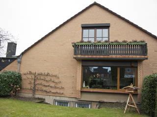 Balkon vorher 1:   von AGNES MORGUET Innenarchitektur & Design