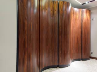 Classic style dressing room by GEDUEV ARCH BUREAU Classic