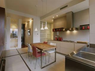 Private House - Milano Cucina moderna di MRP ARCHITETTURE SRL Moderno
