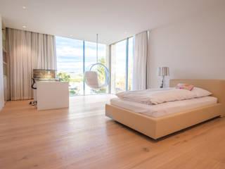 EINFAMILIENHAUS KLOSTERNEUBURG | AUT Moderne Schlafzimmer von Moser Architects Modern
