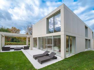 Oleh Moser Architects Modern