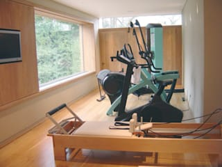 Home Gyms Modern gym by Raw Corporate Health Modern