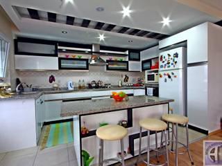 Akdeniz Dekorasyon Cocinas de estilo moderno