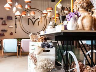 Moz, Flower Shop, Dubaï Espaces commerciaux industriels par Dominique Herbillon & Edouard Augustin Industriel