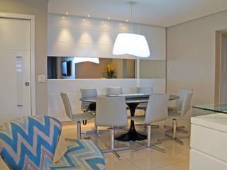 Tudo azul Salas de jantar modernas por Ju Nejaim Arquitetura Moderno