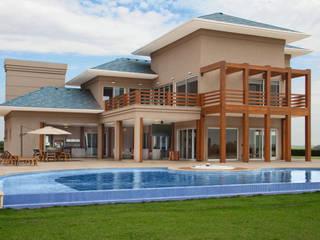 Casas de estilo moderno de STUDIO A2 -ARQUITETURA-INTERIORES-PAISAGISMO Moderno