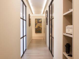 Modern corridor, hallway & stairs by Estatiba construcción, decoración y reformas en Ibiza y Valencia Modern
