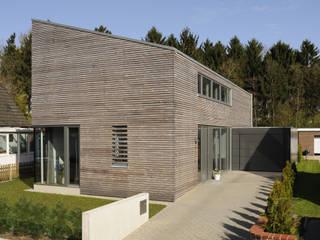 JEBENS SCHOOF ARCHITEKTEN BDA Casas modernas: Ideas, imágenes y decoración