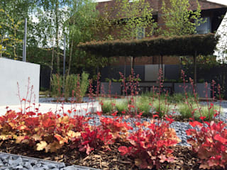 Contemporary London garden by Borrowed Space Сучасний