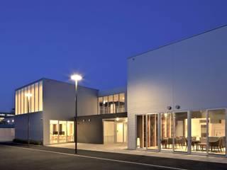 わかたけの杜東棟(サービス付き高齢者向け住宅): 株式会社ヨシダデザインワークショップが手掛けた家です。,モダン