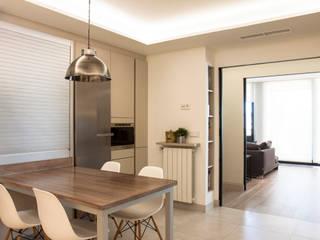 Modern kitchen by Estatiba construcción, decoración y reformas en Ibiza y Valencia Modern