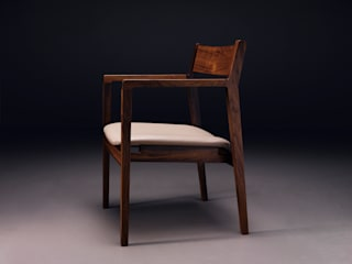 ARM CHAIR: Moon studio의 현대 ,모던