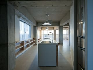 modern Kitchen by kurosawa kawara-ten