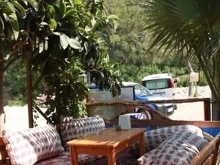 OLYMPOS ORANGE BUNGALOWS – OLYMPOS ORANGE BUNGLOWS:  tarz Bar & kulüpler