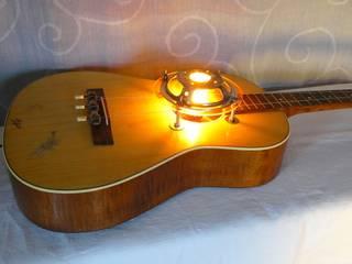 Light Guitar: ausgefallene Wohnzimmer von ML Upcycling Licht