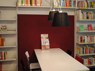 alliance sud, Bern Minimalistische Bürogebäude von RADIUS Innenarchitektur Minimalistisch