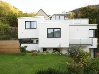 Niedrigenergie-Terrassenhaus von Architekturbüro Hennig