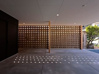 behavior モダンな 壁&床 の Y.Architectural Design モダン
