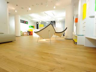 Expansion Steidten+ Moderne Ladenflächen von YPXYLON Modern