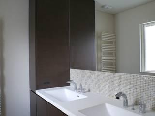 Modern style bathrooms by 株式会社スター・ウェッジ Modern